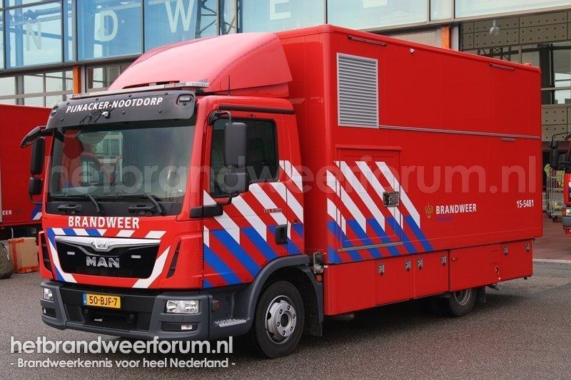 15-5481 Vrachtwagen