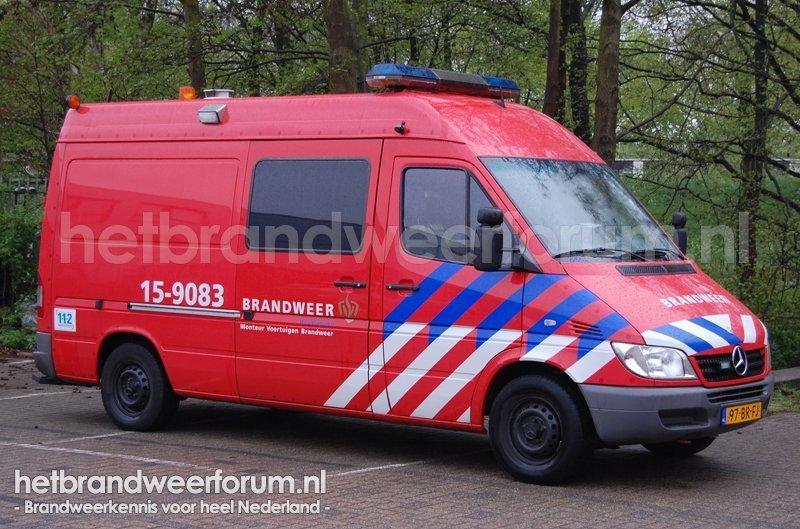 15-9083 Personen/materialen voertuig