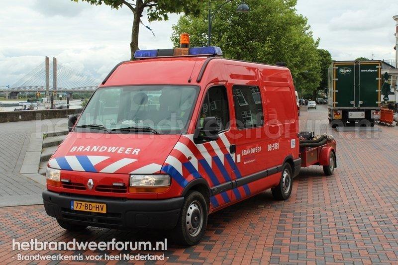 08-5181 Personeels/Materiaalvoertuig (77-BD-HV)