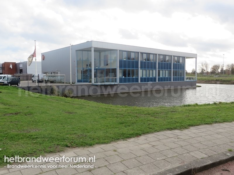 Luzernestraat 5, te Nieuw Vennep