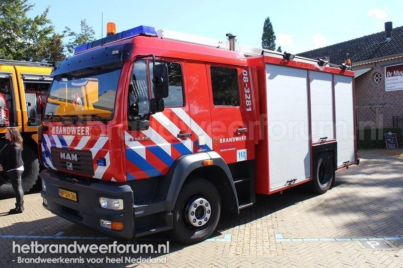 08-3281 Personeels/Materiaalvoertuig (BP-DN-36)