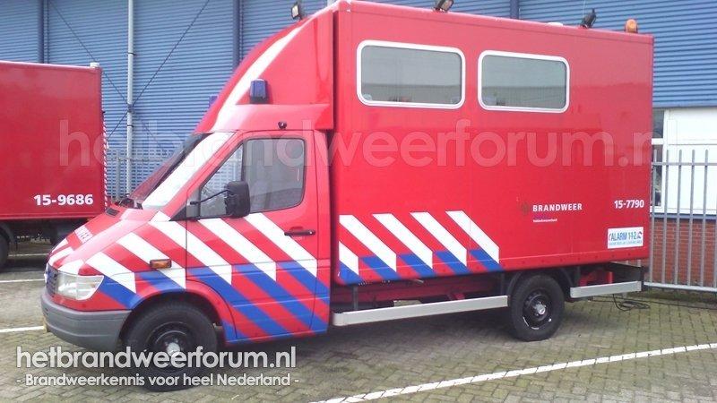 15-7790 Verbinding/commando voertuig (regiewagen)
